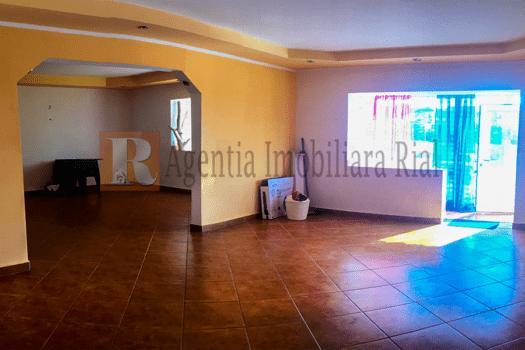 Spatiu comercial in bloc de apartamente de vanzare in Medias zona Vitrometan.
