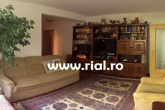 Apartament 3 camere de inchiriat in Medias
