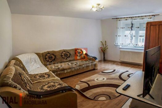 Apartament 3 camere de vanzare in Medias.