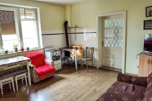 Casa 3 camere de vanzare in Medias