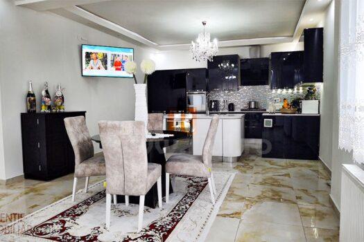 Casa 6 camere de vanzare in Medias